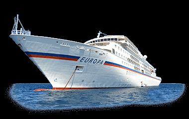 Kreuzfahrtschiff freigestellt mit Ozean